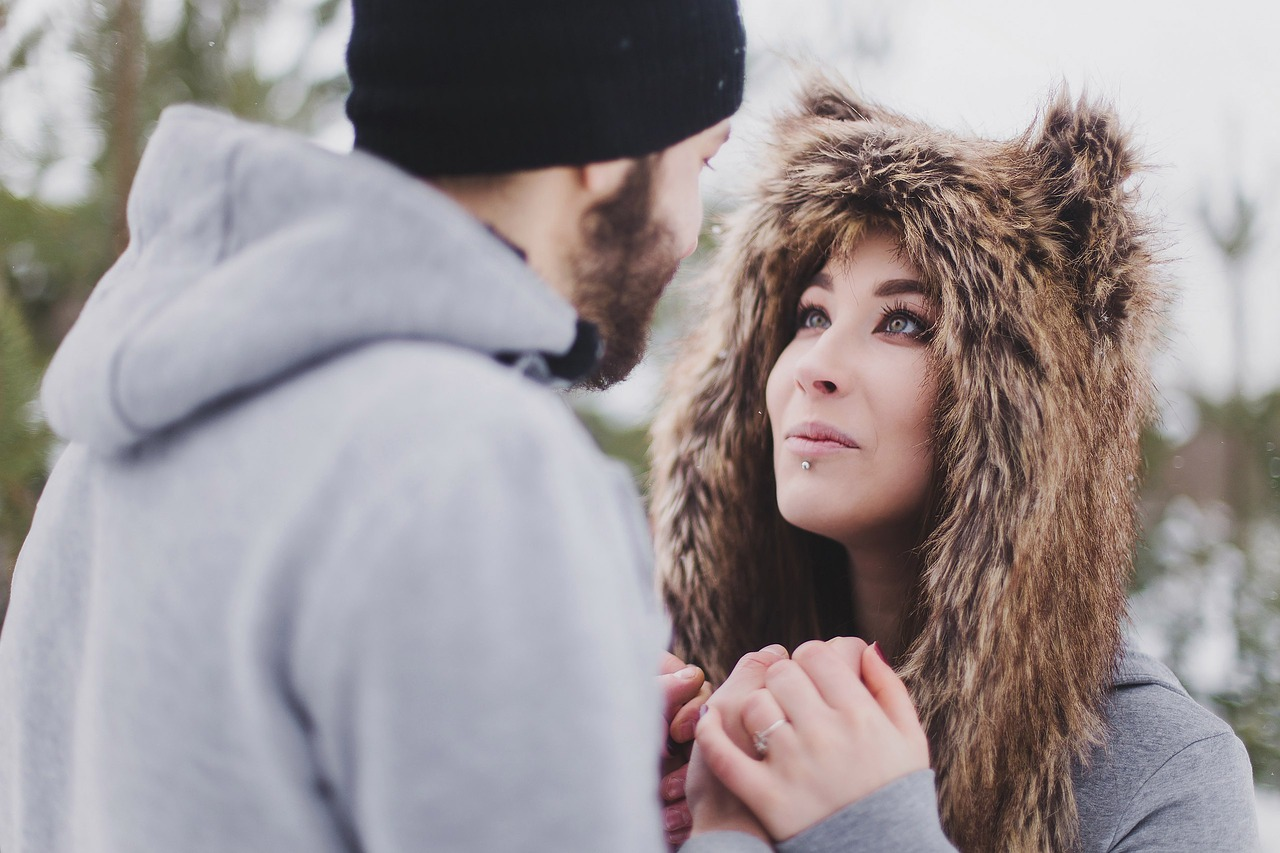 dating an introverted woman If you're a shy, introverted woman, dating can feel daunting — especially if you don't know how to flirt with guys but when it comes to relationship advice for flirting and falling in love.