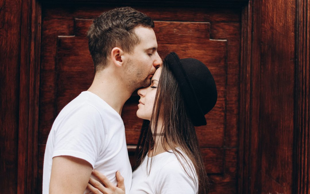 How Introverts Can Stop Overthinking Dating